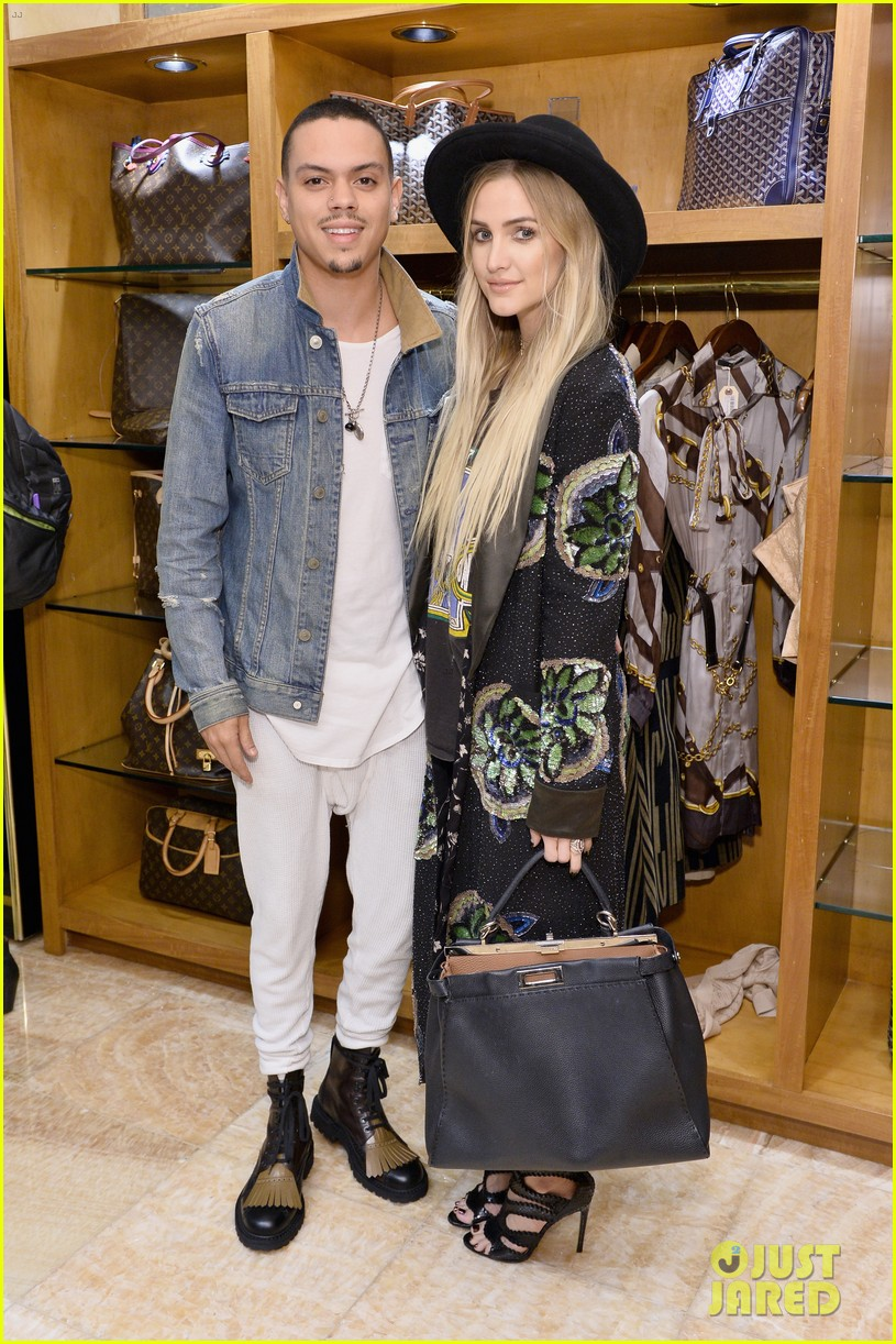 ashlee simpson evan ross couple up at what goes around comes around 043785750
