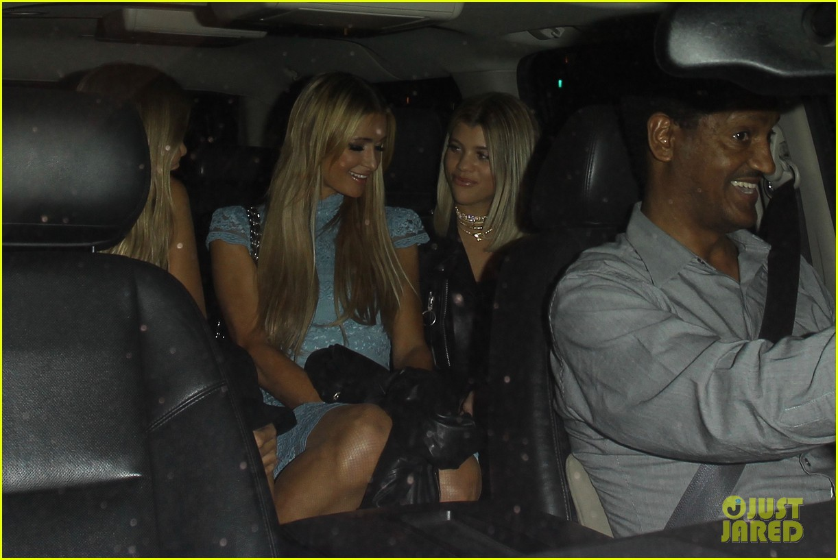 sofia richie holds hands paris hilton catch 263789819
