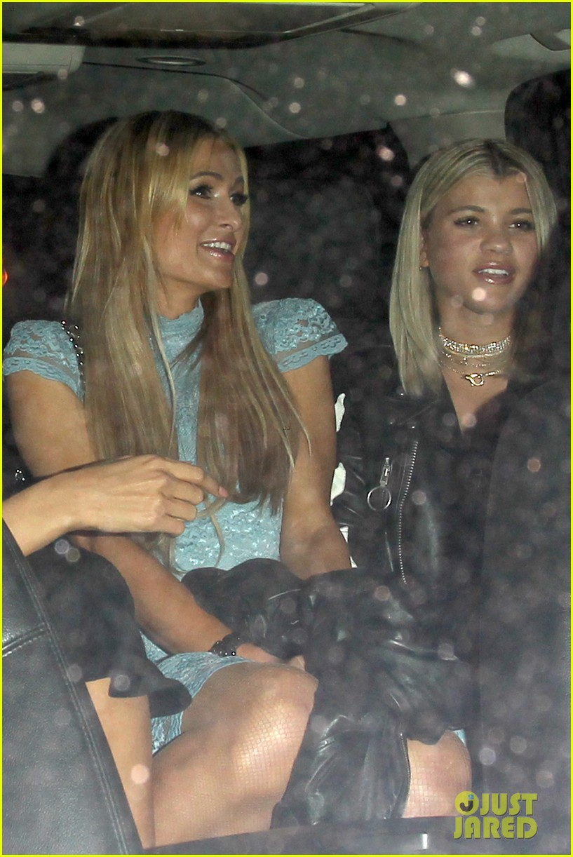 sofia richie holds hands paris hilton catch 333789826