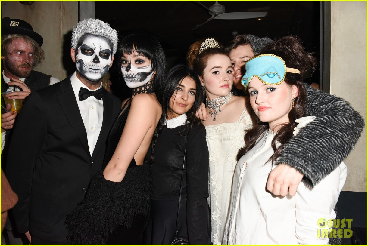Hailee Steinfeld Looks Fierce with Skull Makeup at Just Jared's ...