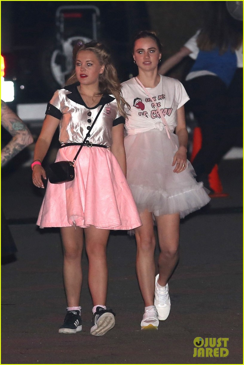 suki waterhouse 50s halloween katy perry 023797591