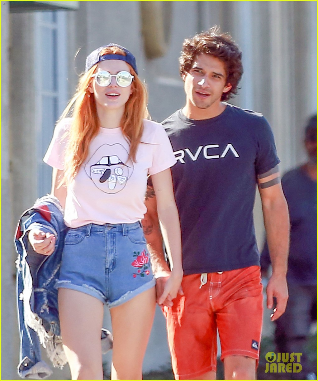 bella thorne tyler posey show off pda after tyler confirms crush 023776229