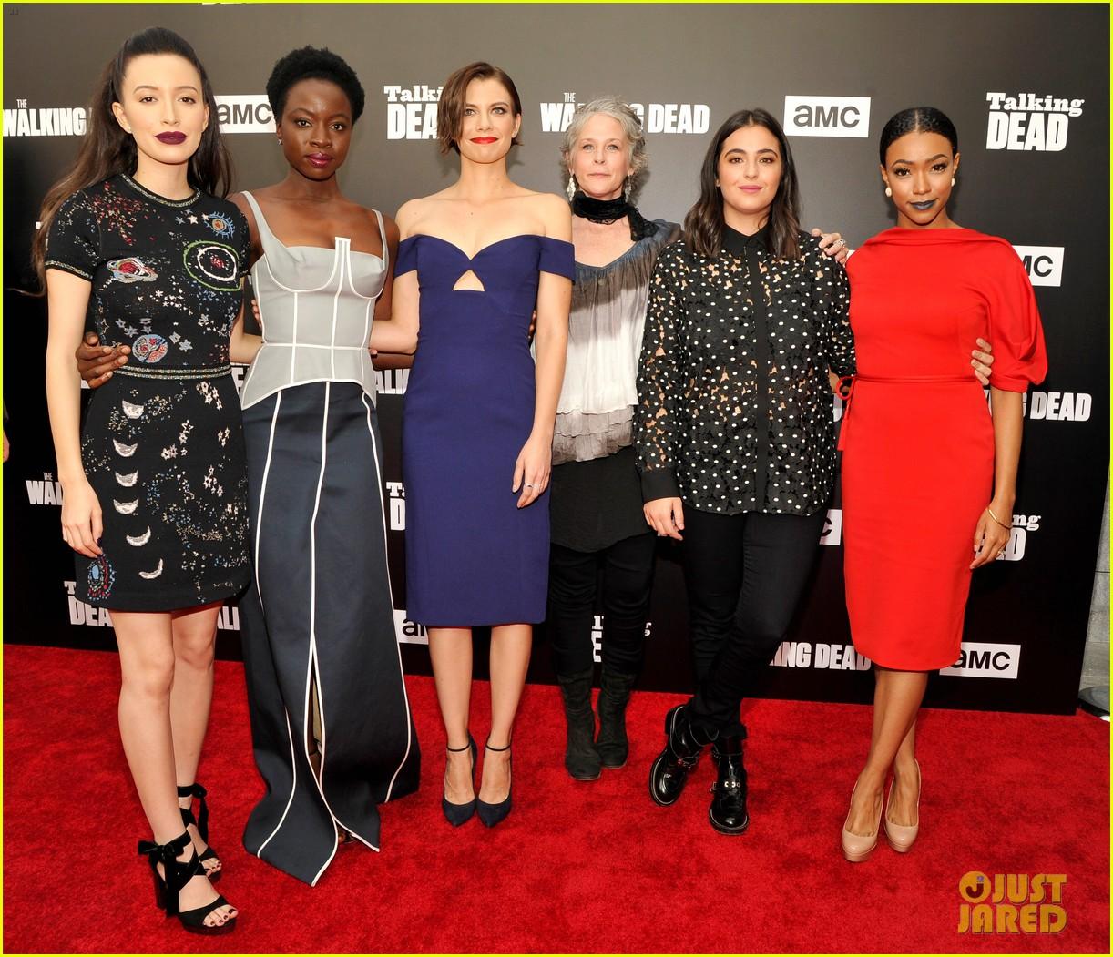 the walking dead cast gathers to talk about season 7 033791996