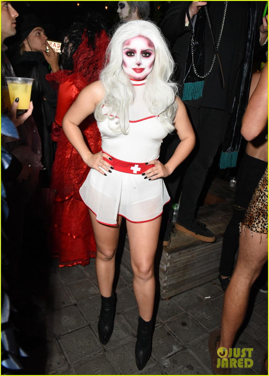 ariel winter just jared halloween party 043798351