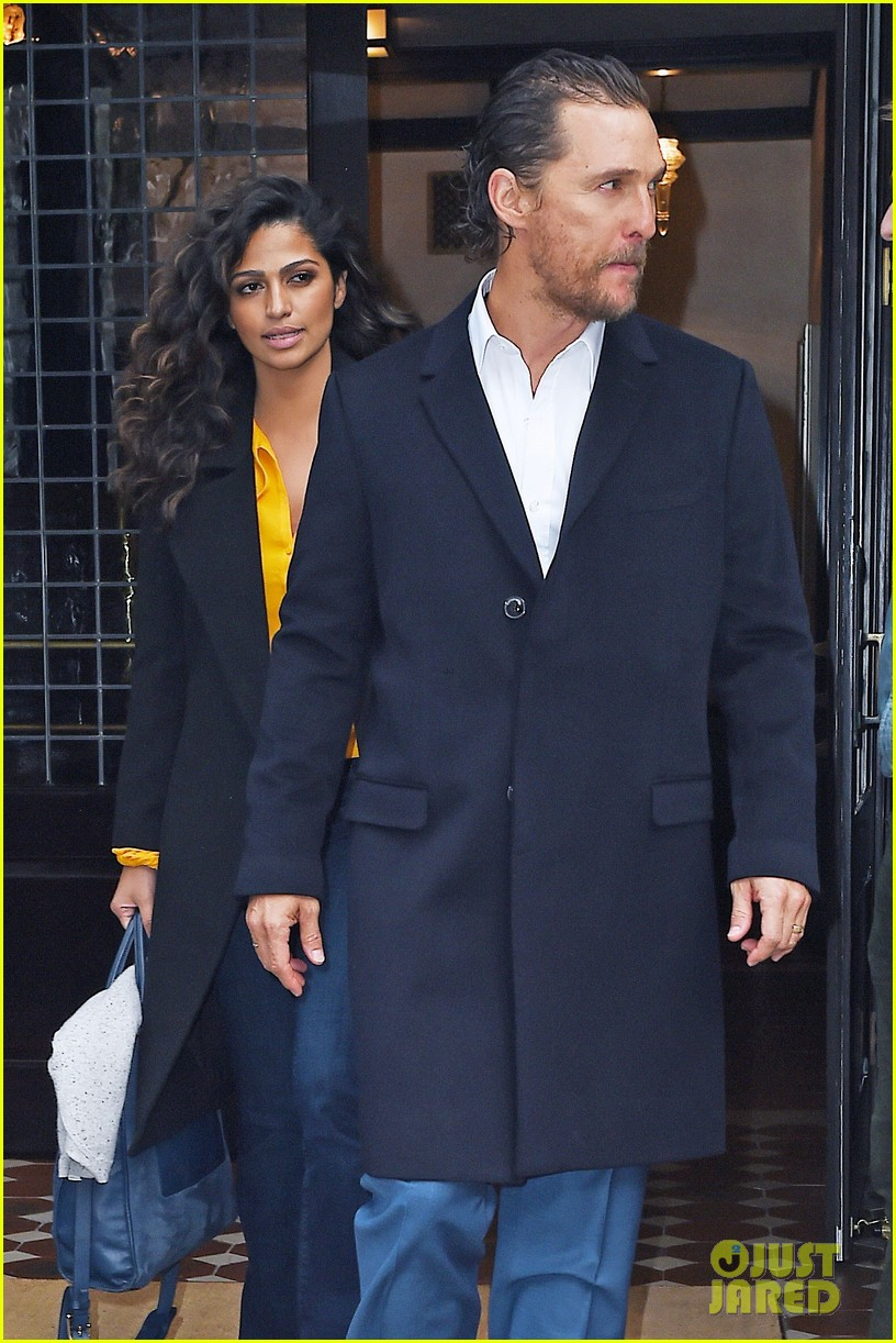 matthew mcconaughey camila alves step out for date night in nyc 143809702