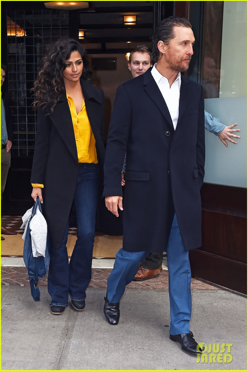 matthew mcconaughey camila alves step out for date night in nyc 163809704