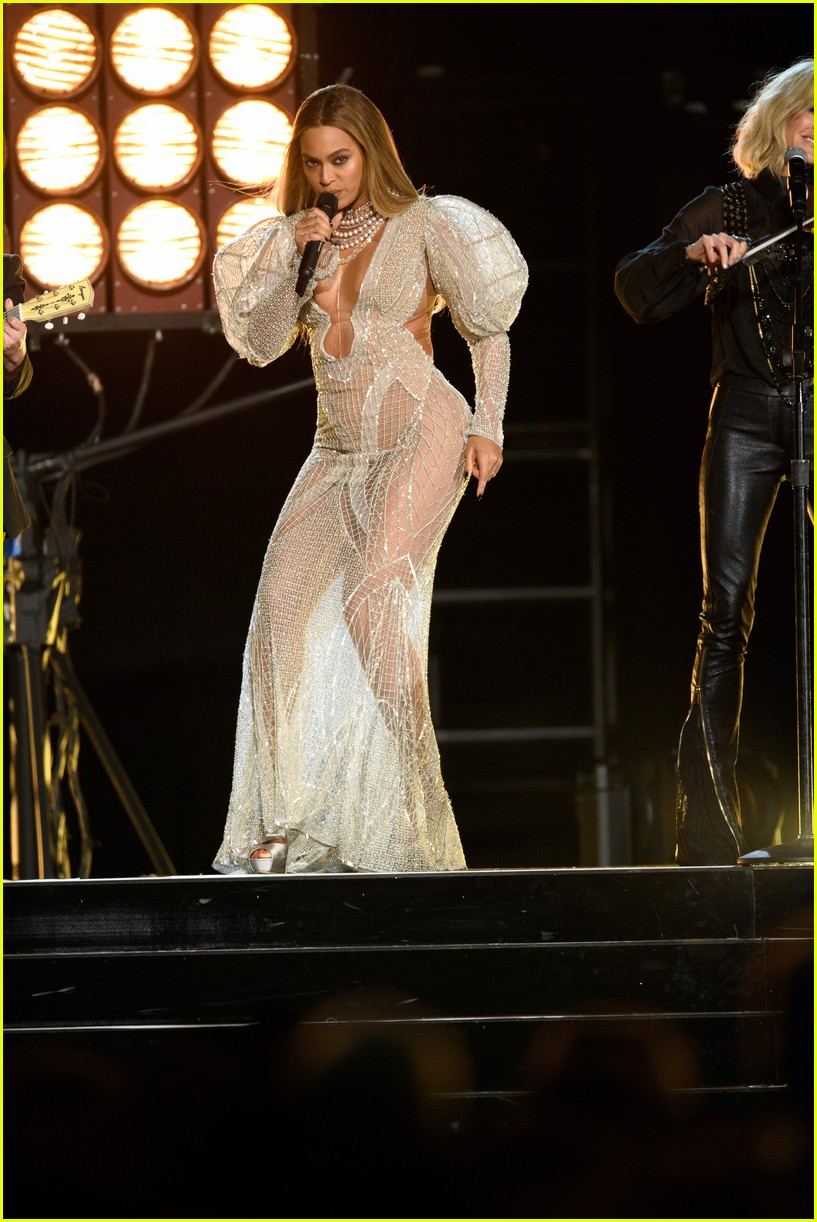 Music video beyonce beyonce knowles gif on gifer by bat.