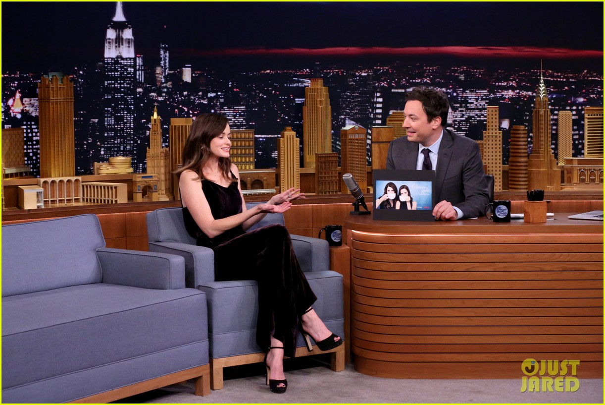 alexis bledel tells jimmy fallon her top four gilmore girls characters 023817246