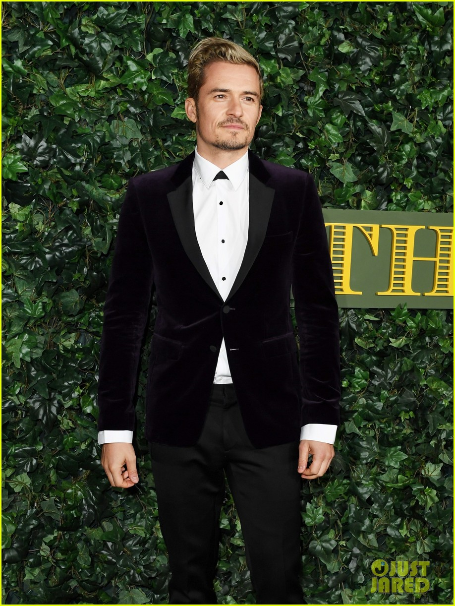 orlando bloom goes stag to london evening standard awards 013808052