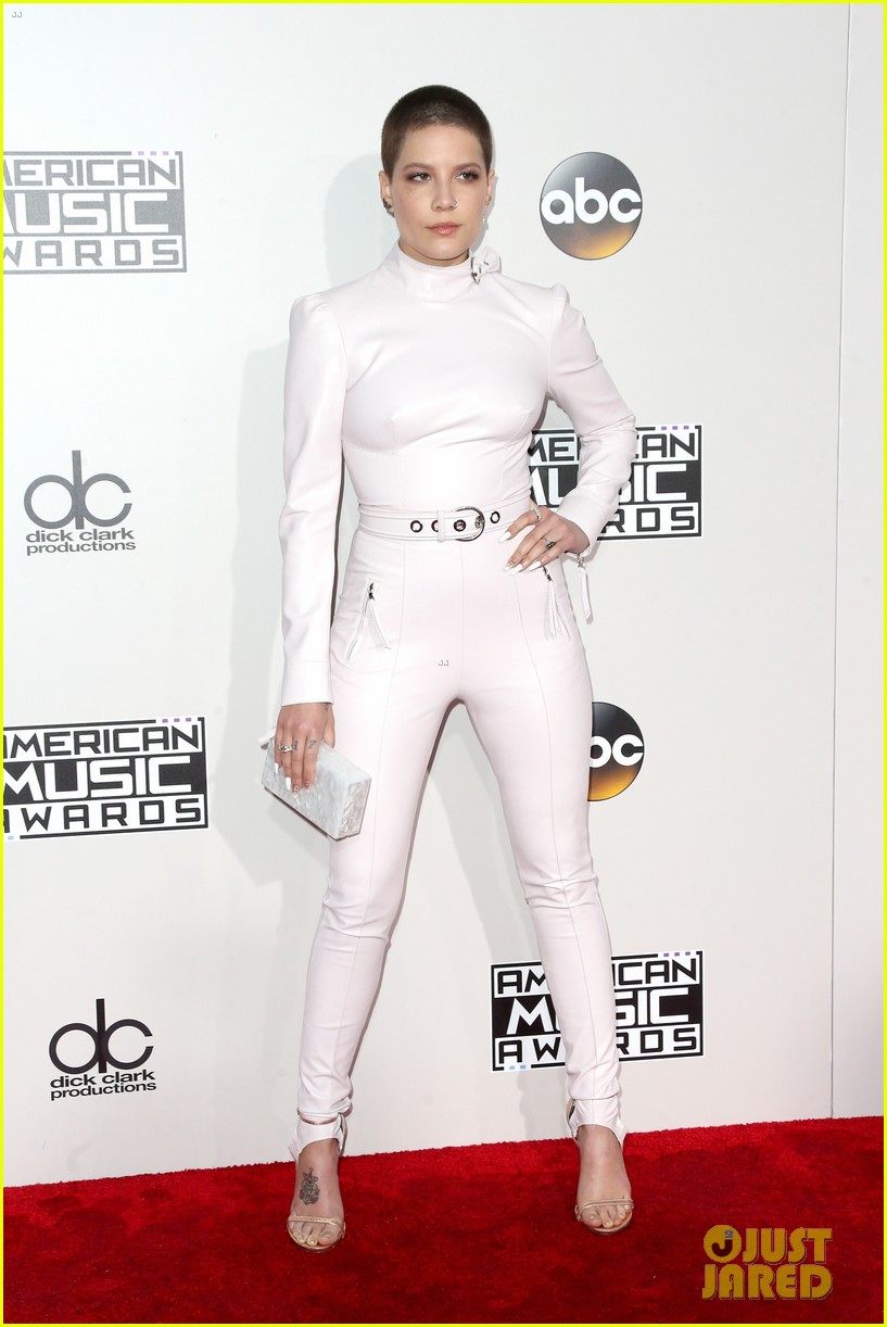 the chainsmokers halsey american music awards 2016 013812693