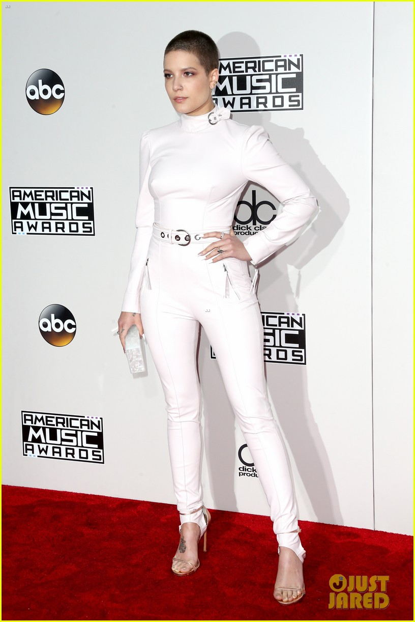 the chainsmokers halsey american music awards 2016 043812696