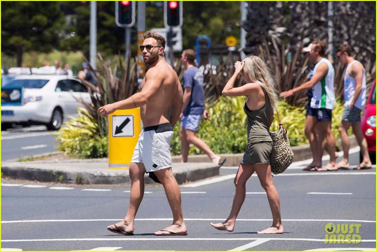 jai courtney looks so hot while shirtless with girlfriend mecki dent 053817485