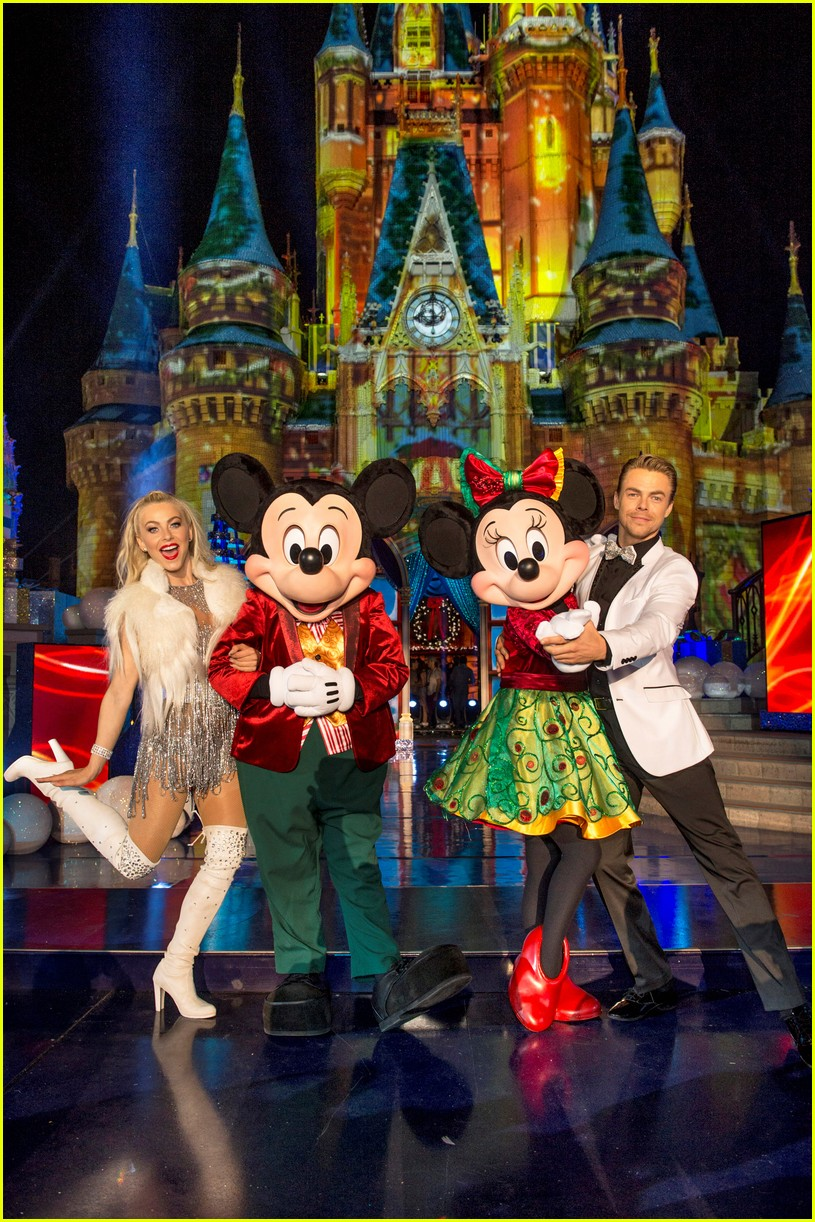 disney holiday celebration special 2016 full performers list 153814955