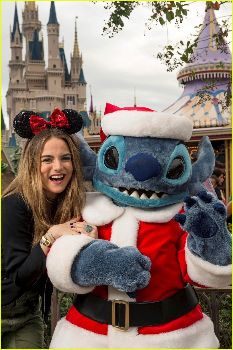 disney holiday celebration special 2016 full performers list 243814964