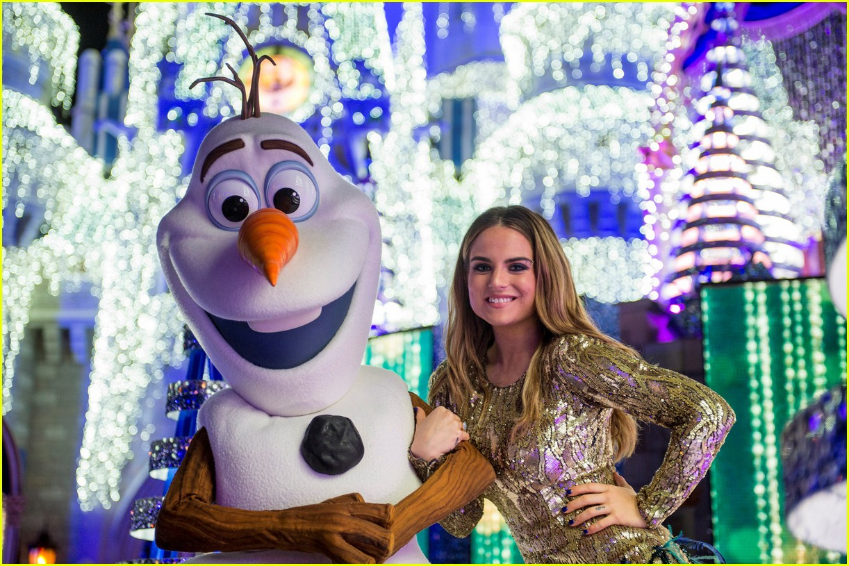 disney holiday celebration special 2016 full performers list 283814968