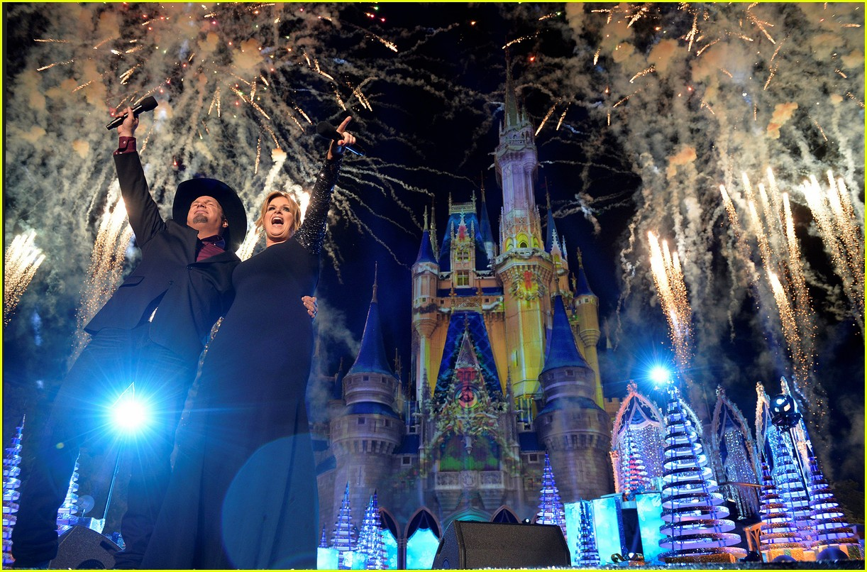 disney holiday celebration special 2016 full performers list 293814969