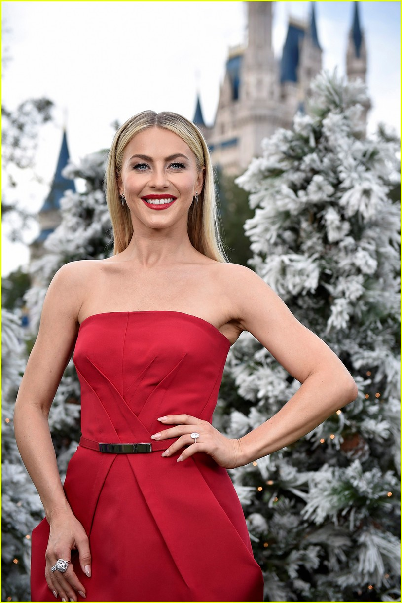 disney holiday celebration special 2016 full performers list 423814982
