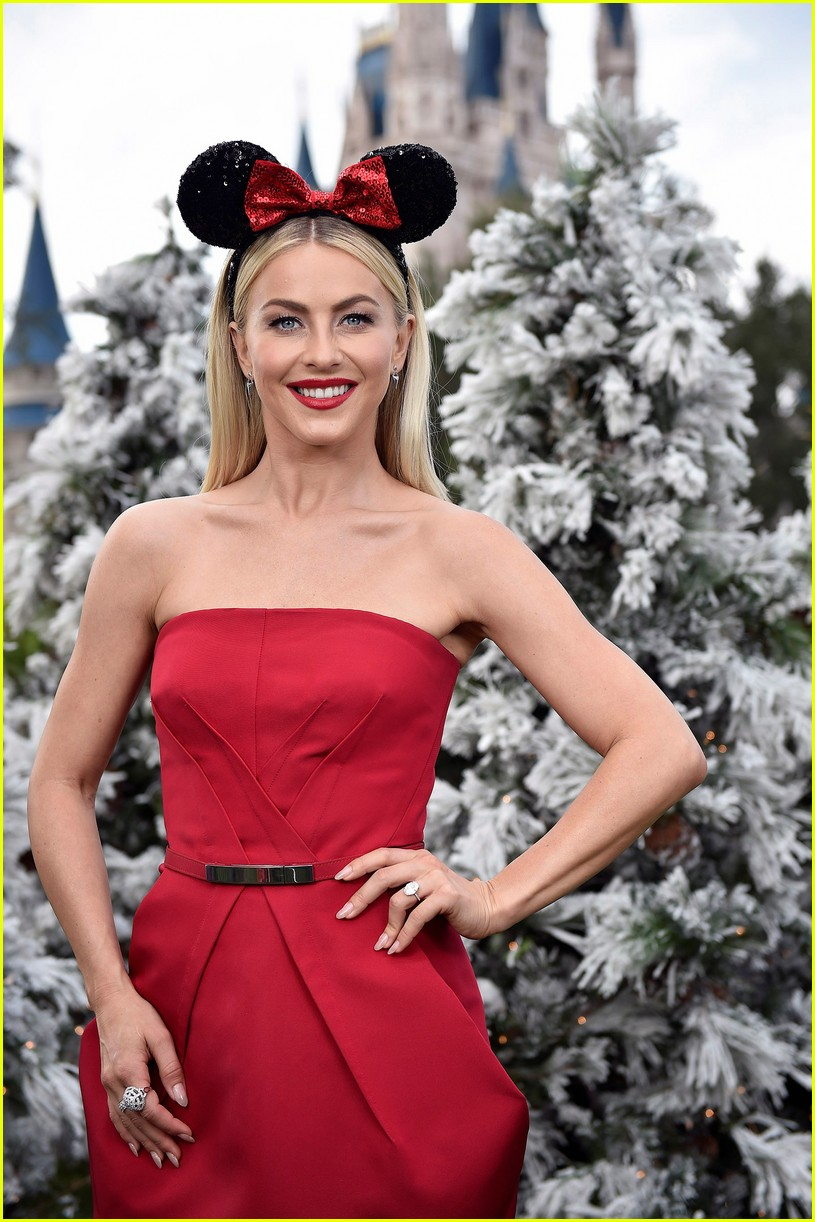 disney holiday celebration special 2016 full performers list 443814984