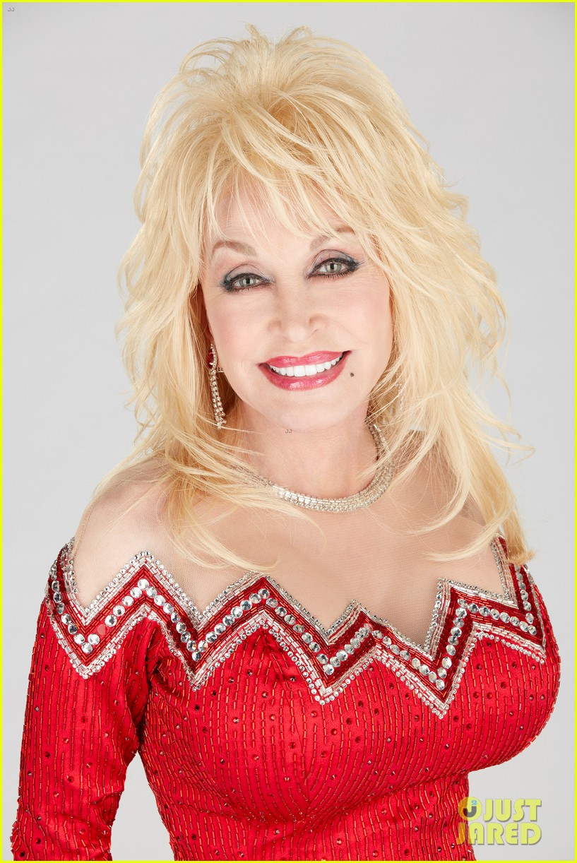 Dolly Parton Christmas.Dolly Parton S Christmas Of Many Colors Circle Of Love