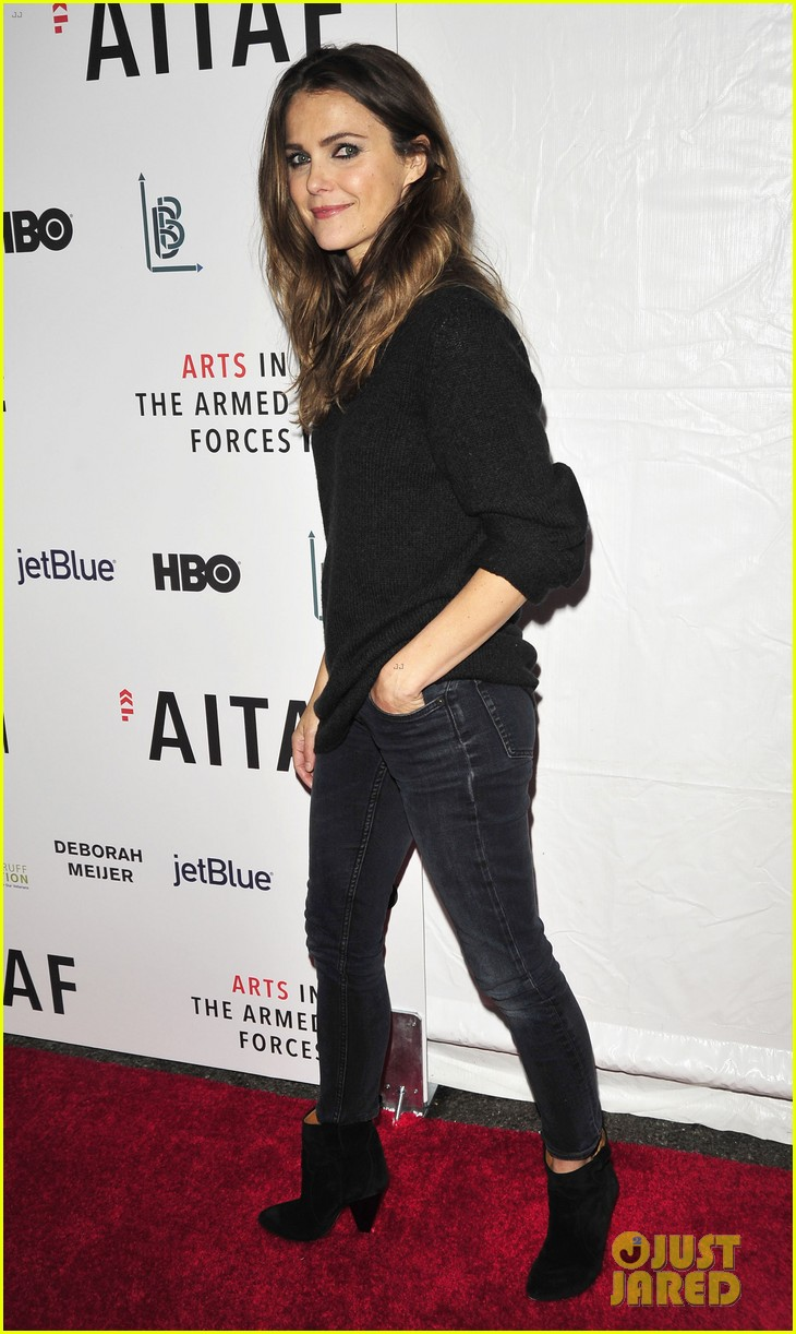 keri russel pablo schreiber join adam driver on stage at arts in the armed forces 013804403