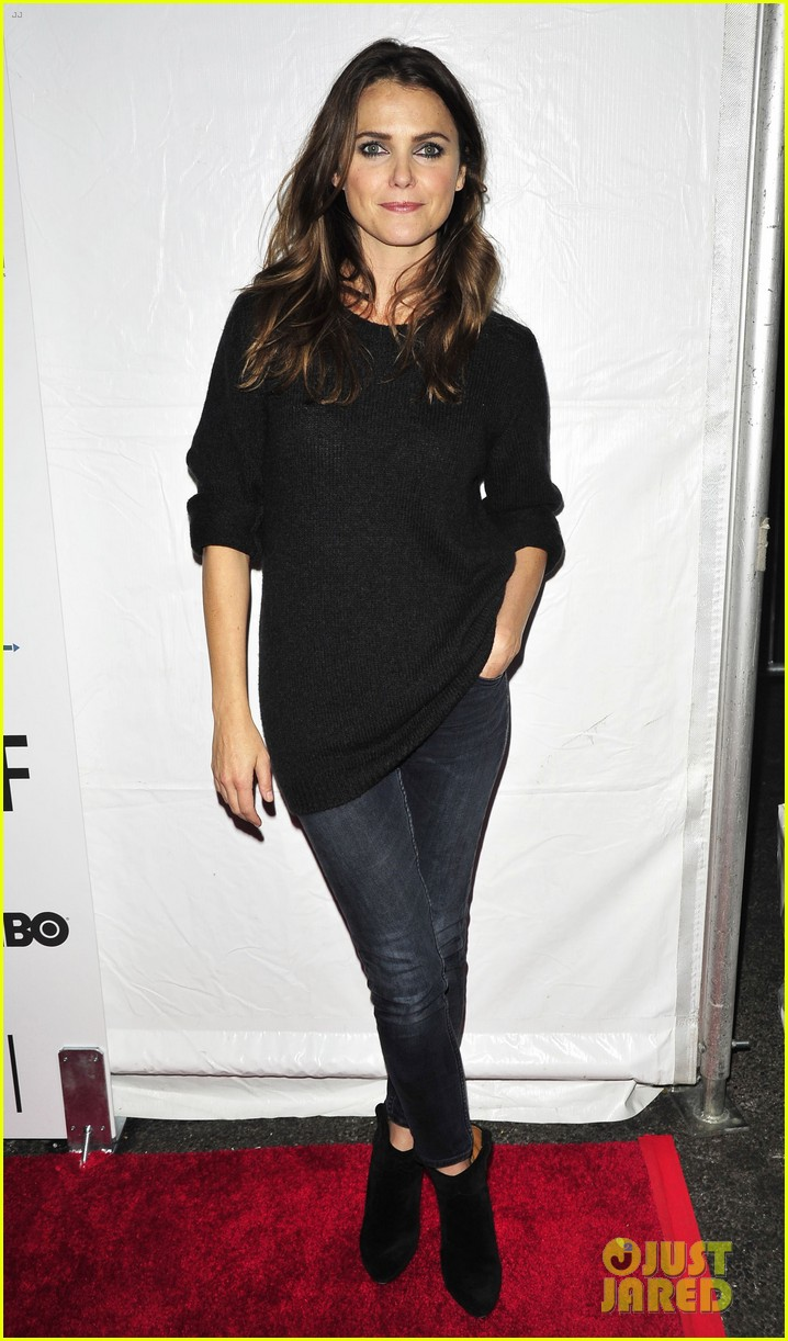 keri russel pablo schreiber join adam driver on stage at arts in the armed forces 033804405
