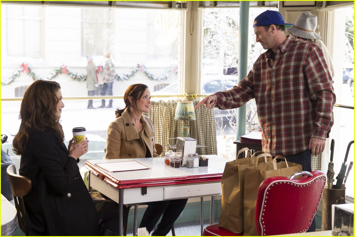 gilmore girls year in the life new stills 073809907