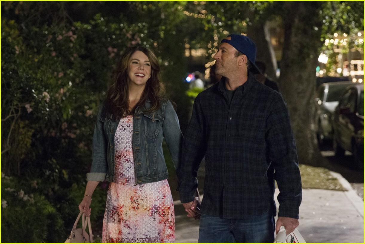 gilmore girls year in the life new stills 193809919