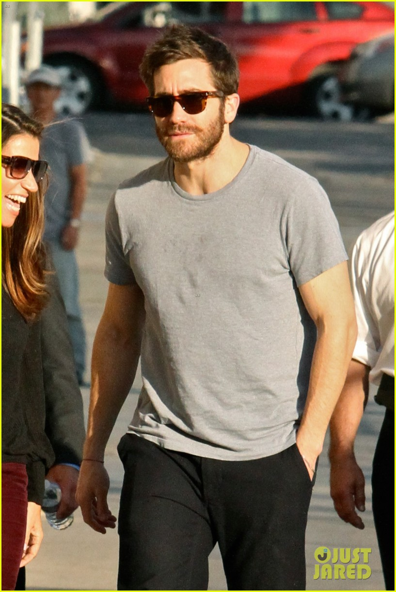 Jake Gyllenhaal Looks Buff Arriving At A Studio In Hollywood Photo
