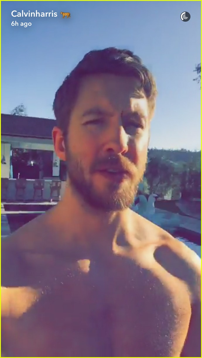 Calvin Harris Shirtless Calvin Harris Goes Shi...