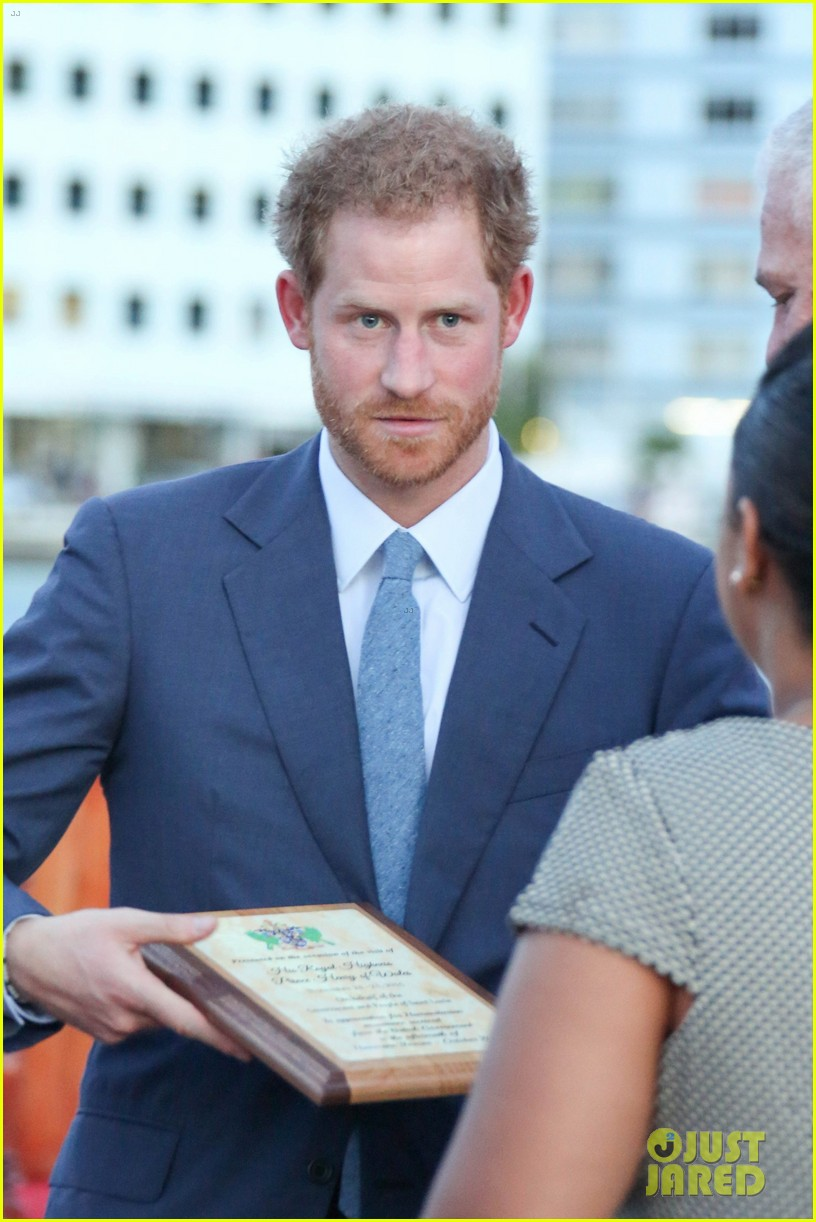 prince harry cant contact girlfriend megham markle as he travels caribbean 273815409
