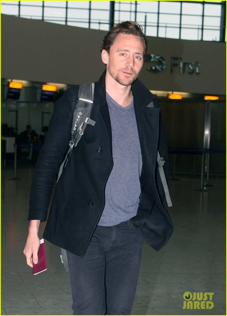tom hiddleston steps out with mystery blonde after he taylor swift are on good terms 023809521
