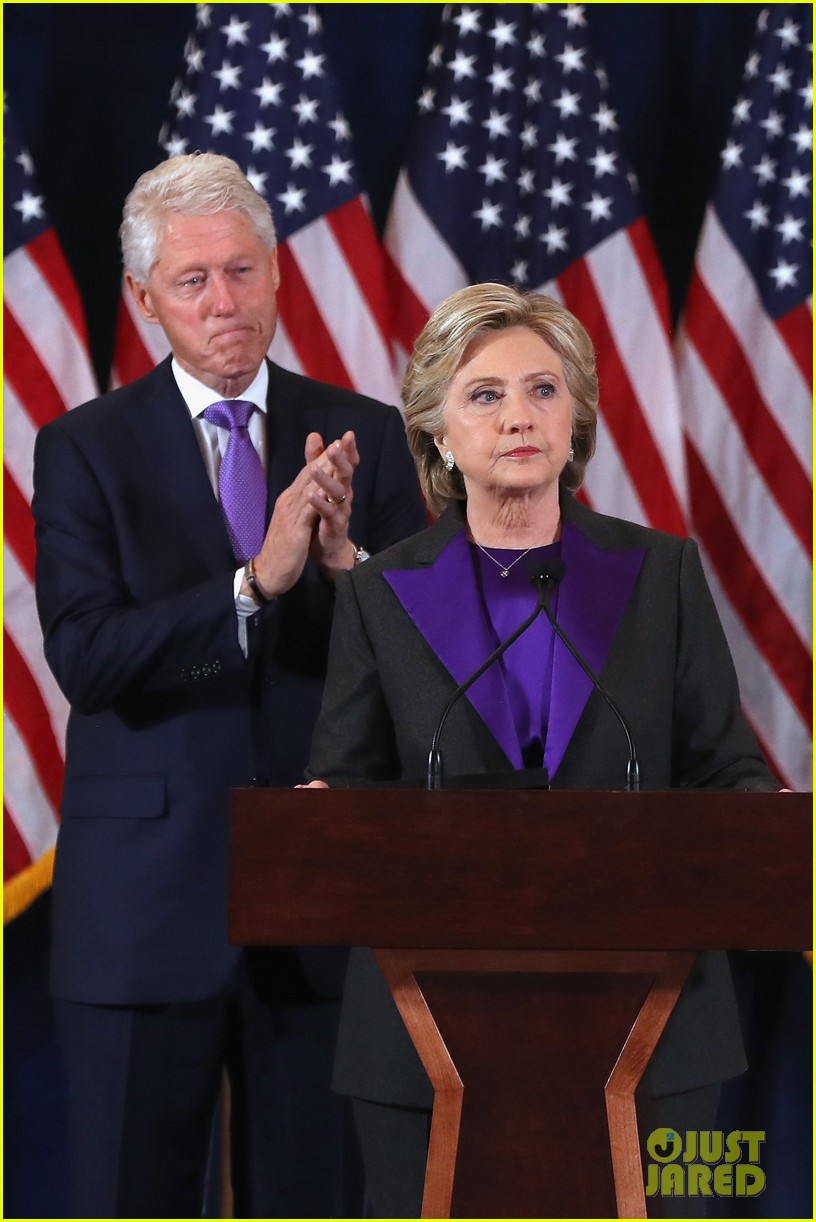 hillary clinton family shows suppport during concession speech 013805222