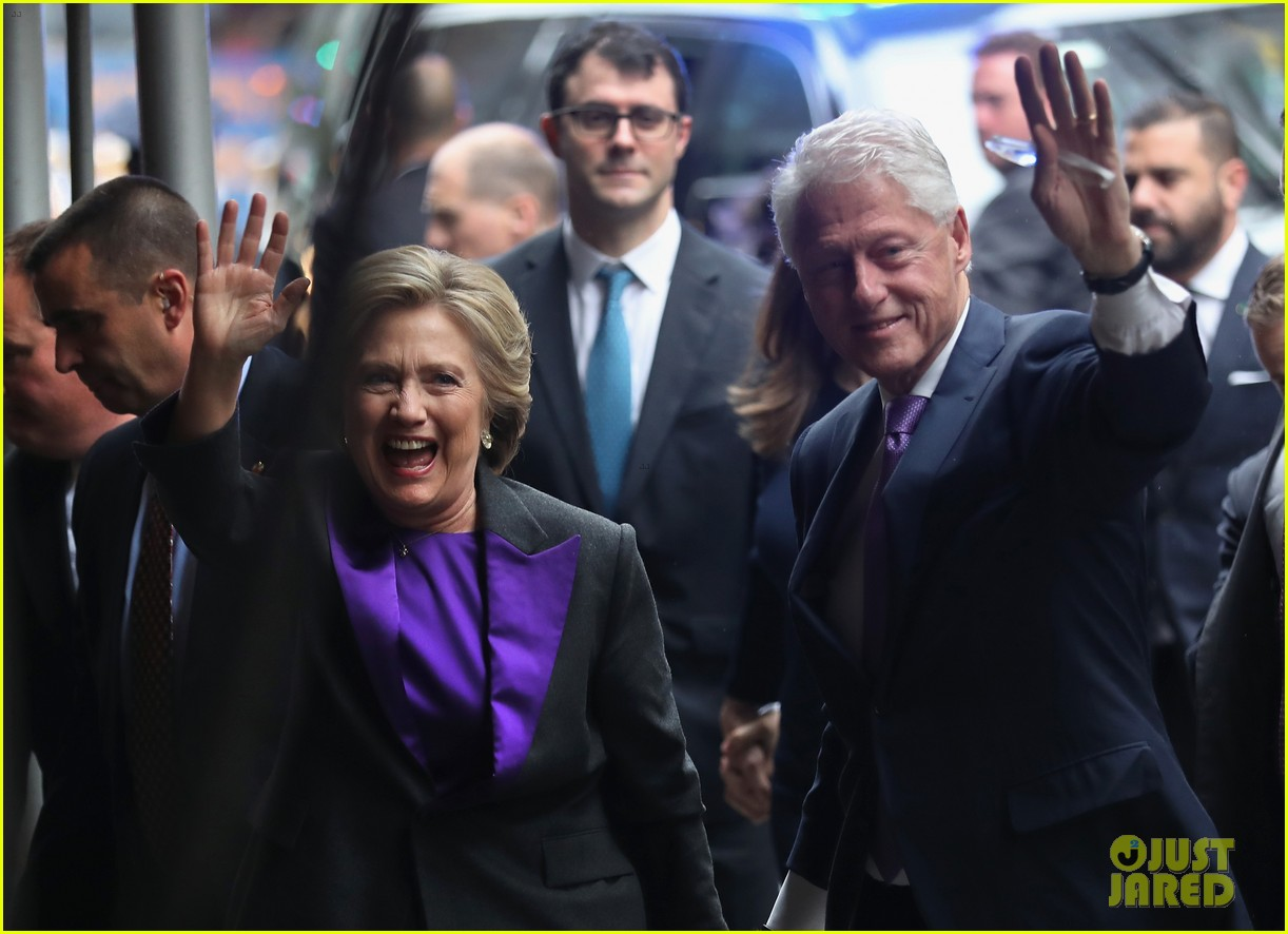 hillary clinton family shows suppport during concession speech 023805223