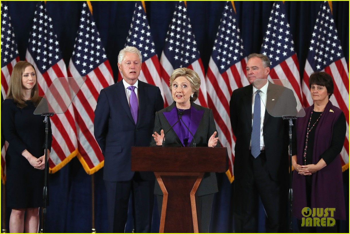 hillary clinton family shows suppport during concession speech 033805224