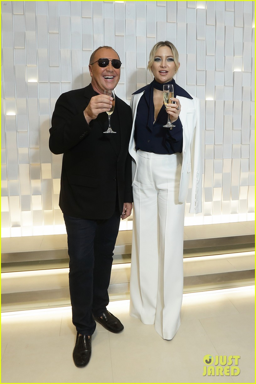 kate hudson michael kors toast to opening of mandarin gallery flagship opening 013809827