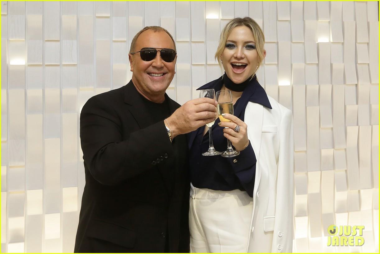 kate hudson michael kors toast to opening of mandarin gallery flagship opening 033809829