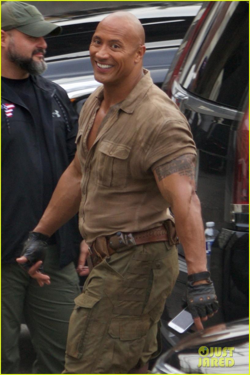 Dwayne Johnson Kevin Hart Get To Work Filming Jumanji