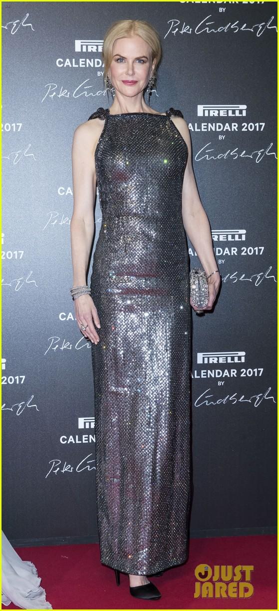 ... makeup free 2017 pirelli calendar showcases women as real people 02