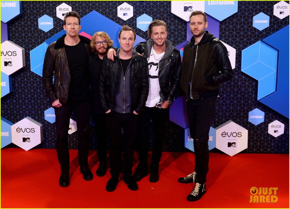 kings leon one republic 2016 mtv emas 023803411