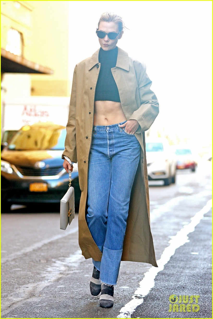 karlie kloss shows off her killer abs in nyc 063802992
