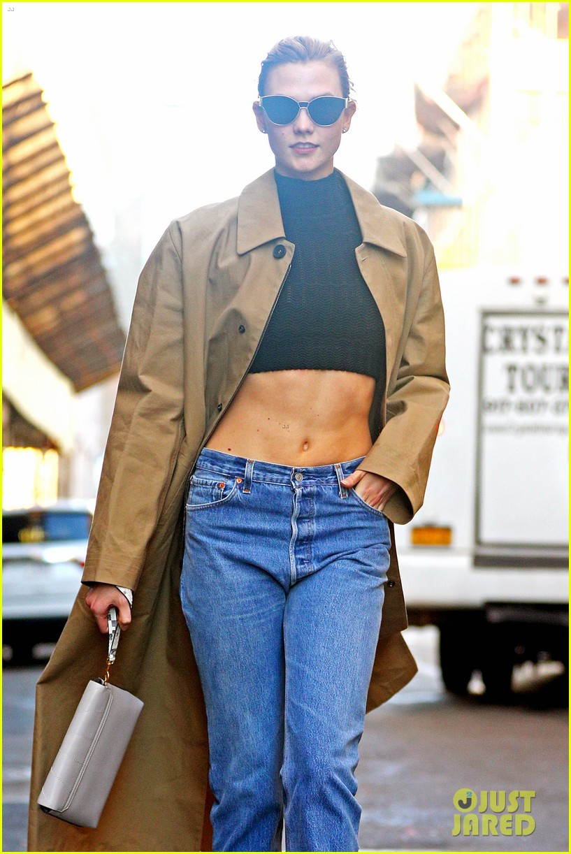 karlie kloss shows off her killer abs in nyc 103802996