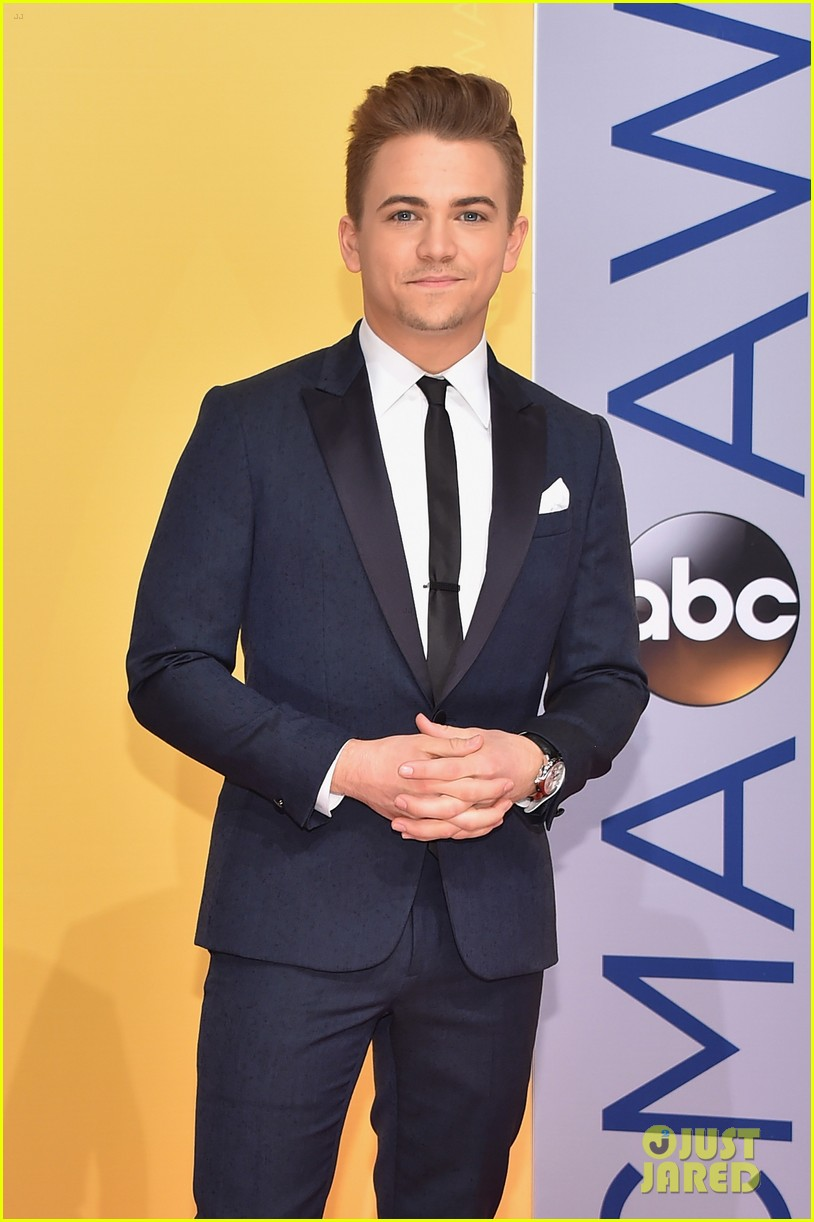 lauren alaina cma awards hunter hayes scotty mccreery 033800374