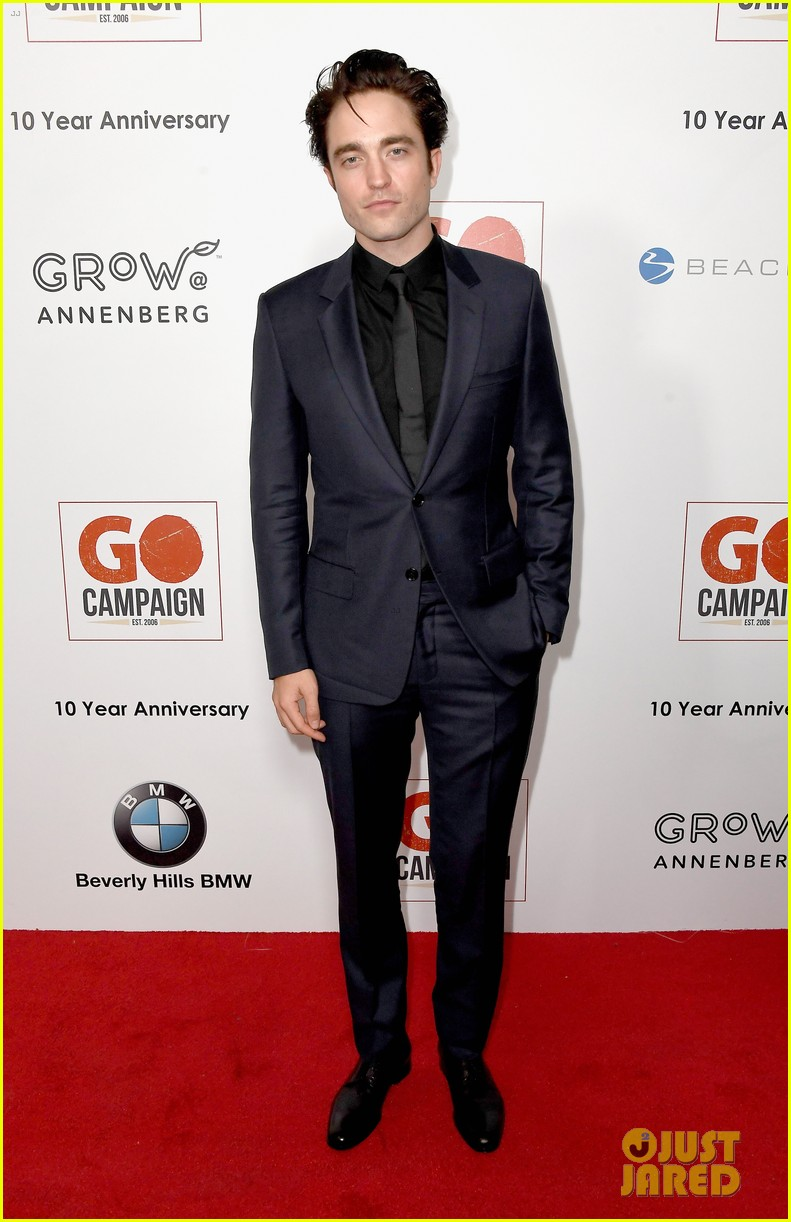 ewan mcgregor rob pattinson and liam hemsworth suit up for go campaign gala 353803062