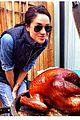 meghan markle cooks turkey thanksgiving prince harry 01
