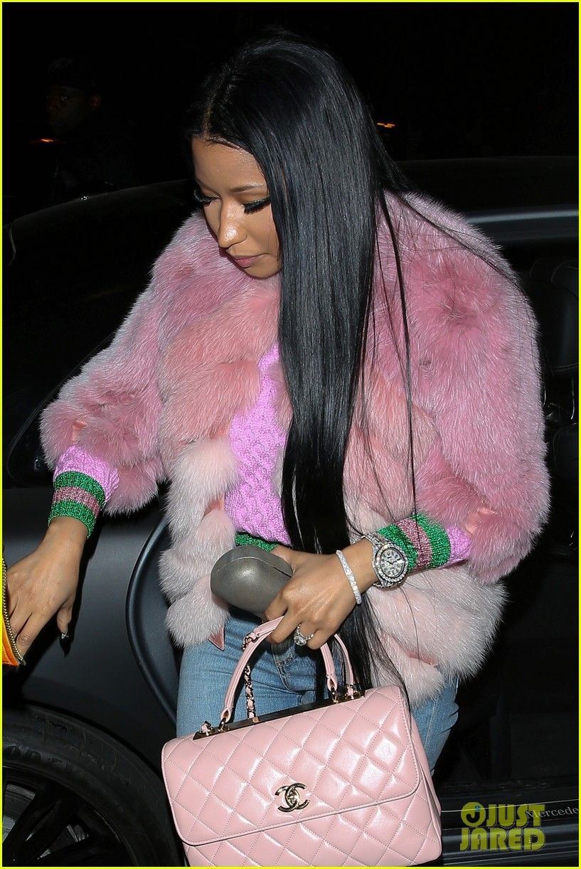 nicki minaj steps out after dropping black barbies 063812163