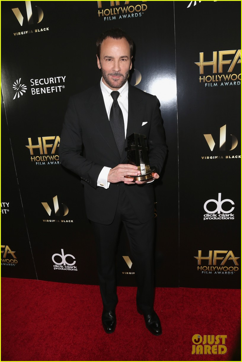 Fashion designer tom ford at the hollywood something or other awards - Julianne Moore Presents To Tom Ford At Hollywood Film Awards 2016