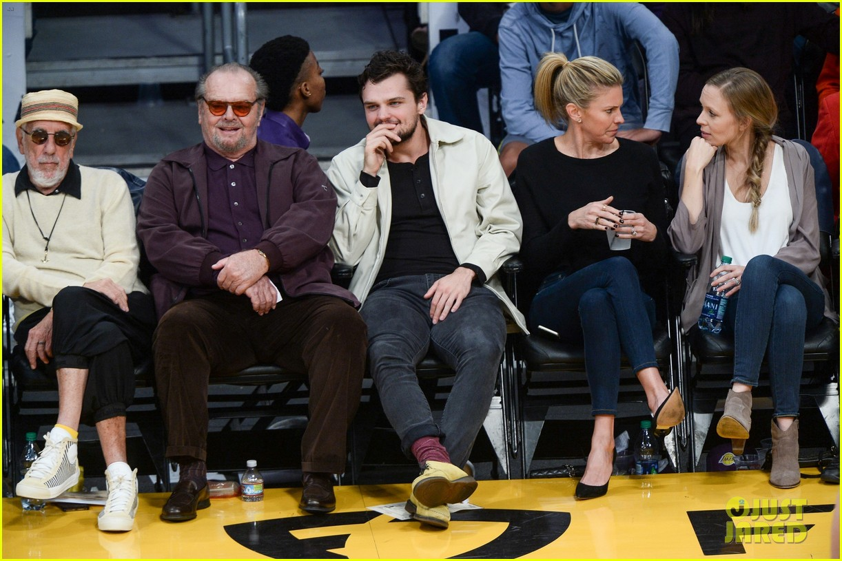 Jack Nicholson His Son Ray Share A Laugh At Lakers Game Photo 3815703 Jack Nicholson Ray Nicholson Pictures Just Jared In addition to inheriting his father's looks, ray, 22, is following in nicholson's footsteps when it comes to a career in show business. just jared