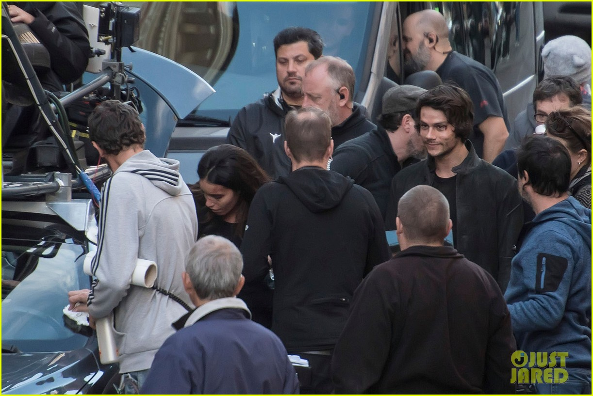 dylan obrien spotted on set for first time since accident 233814329