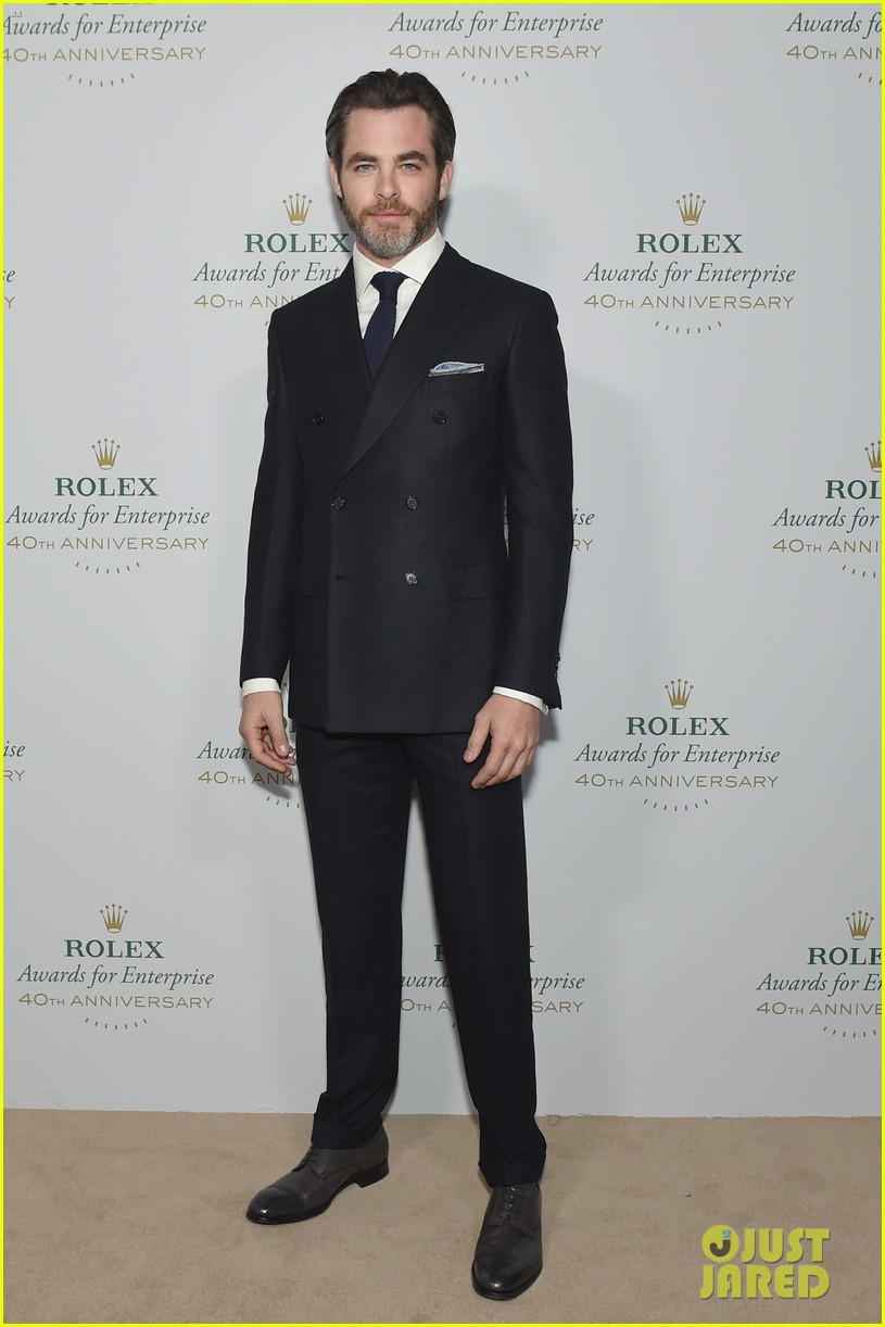 chris pine casey affleck are dapper dudes at rolex gala 143809801