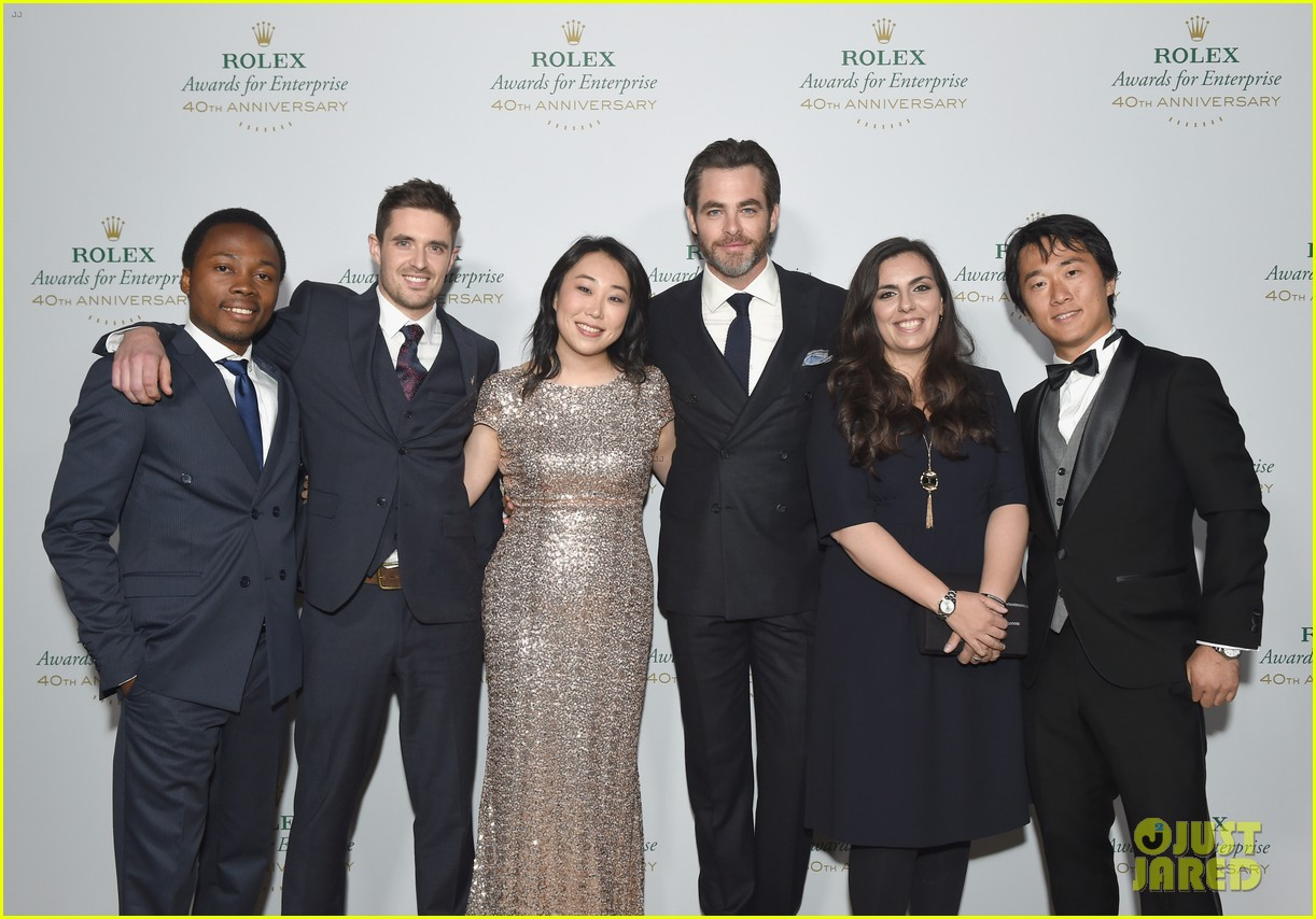 chris pine casey affleck are dapper dudes at rolex gala 193809806